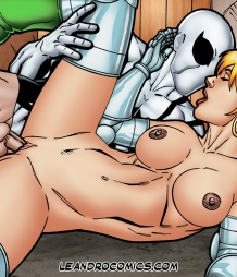 Spiderman pounding Valeria Richards' pussy!
